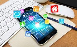 Modern mobiltelefon med symboler Royaltyfri Bild