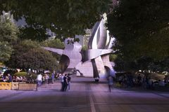 Modern monument i Shanghai, Kina vid natt Arkivbilder