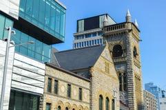 Modern och gammal arkitektur i Montreal Royaltyfri Foto