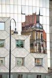 Modern och gammal arkitektur i Wien Arkivbilder
