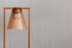 Modern och lyxig kopparlampa arkivfoton
