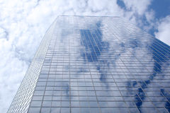 Modern office building. Reflecting sky Royalty Free Stock Photography