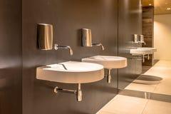 Modern ontwerptoilet royalty-vrije stock foto's