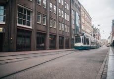 Modern openbaar vervoer in Amsterdam, Nederland royalty-vrije stock foto