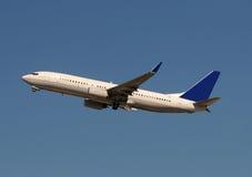 Modern passagiersvliegtuig Stock Afbeeldingen