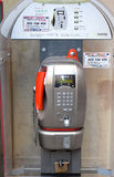 Modern payphone på en stadsgata, Florence Royaltyfri Bild