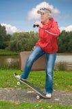 Modern pensionär på ferie fotografering för bildbyråer