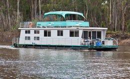 modern port för echucahouseboat Arkivfoton