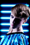 Modern portret op blauwe achtergrond Stock Afbeelding