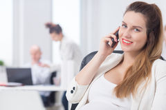 Modern pregnant businesswoman Royalty Free Stock Photos