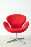 Modern röd stol fotografering för bildbyråer