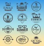 Modern retro gradbeteckning för sommarferier royaltyfri illustrationer