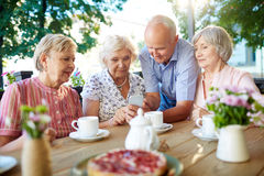 Modern seniors with smartphone Royalty Free Stock Photos