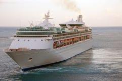 modern ship för kryssning Arkivfoton