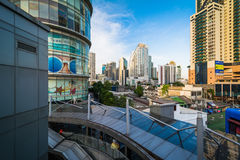 Modern skyscrapers in the Sukhumvit district, in Bangkok, Thaila Stock Photography