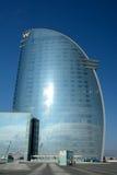Modern skyskrapa på havskusten i Barcelona Arkivbild
