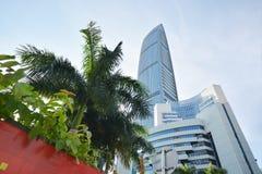 Modern skyskrapabyggnad i den shenzhen staden Fotografering för Bildbyråer