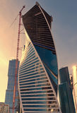 Modern skyskrapakonstruktion Arkivbild
