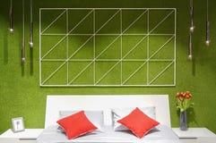 Modern slaapkamer binnenlands, tweepersoonsbed Stock Fotografie