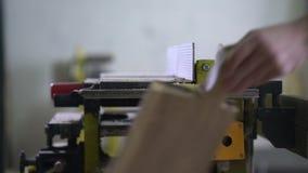 Modern snickare på arbete lager videofilmer