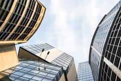 modern stigning för byggnader high royaltyfri foto
