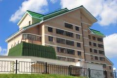 modern stigning för högt hus Arkivbilder