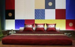 modern stil för asiatiskt sovrum Arkivfoto