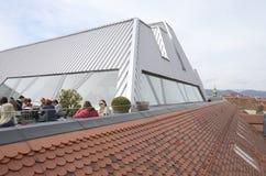 modern taköverkant Arkivbilder