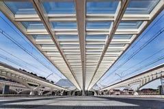 Modern takkonstruktion på stationen Guillemins i Liège Fotografering för Bildbyråer