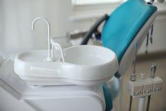 modern tandläkareutrustning Arkivbild