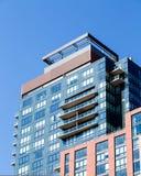 Modern tegelsten- och exponeringsglasbyggnad i Boston Royaltyfria Foton