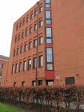 Modern tegelstenbyggnad Arkivbild