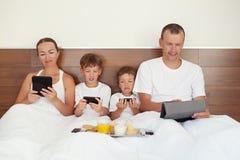Modern teknologi i hem, fotografering för bildbyråer