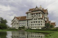 Modern thai byggnad Fotografering för Bildbyråer