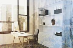 Modern tonad framstickandekontorssida Royaltyfri Fotografi