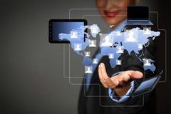 Modern trådlös teknologi och socialt massmedia Arkivbild
