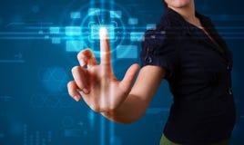 modern tryckande på techtyp kvinna för knappar high Royaltyfria Bilder