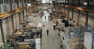 Modern växt på en tung industriell fabrik Inom av en fabrik för färgpulverväxt för konst industriell vattenfärg lager videofilmer