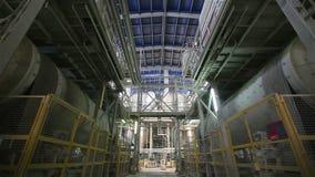 Modern växt på en tung industriell fabrik, ny fabrik, produktion, fabriksutrustning, inre stock video