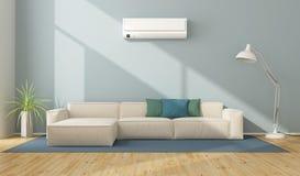 Modern vardagsrum med luftkonditioneringsapparaten Royaltyfria Bilder