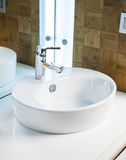 modern vask för badrum Fotografering för Bildbyråer