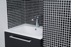 Modern vask i svartvitt Fotografering för Bildbyråer