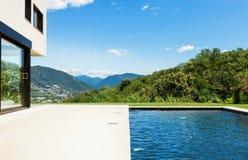Modern villa Royalty Free Stock Image