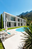 Modern villa, pool Royalty Free Stock Image