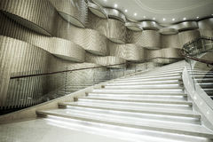 Modern vit marmortrappa Royaltyfri Foto
