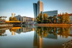Modern Wien cityscape arkivbilder