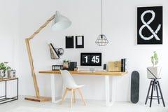 Modern workspace för student` s med datoren Royaltyfria Bilder