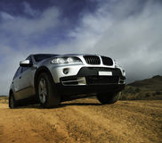 Modern zilveren SUV royalty-vrije stock foto's