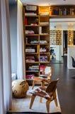 Modern zitkamergebied in de HEER F K Savignyhotel Berlijn Stock Fotografie