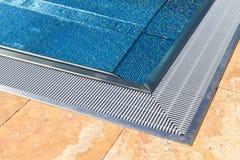 Modern Zwembad Stock Afbeeldingen